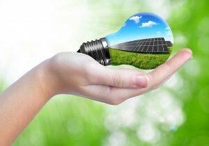 technicien expert panneau photovoltaique